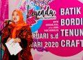 Foto: Wakil Ketua Dewan Kerajinan Nasional Daerah (Dekranasda) Provinsi Jawa Barat Lina Marlina Ruzhan saat membuka 'Pameran Legenda Batik Nusantara 2020'.